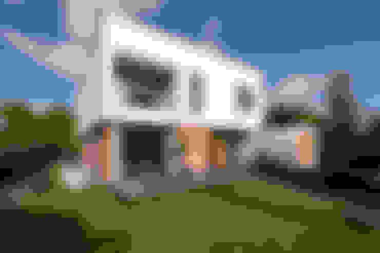Casas de estilo  por paul seuntjens architectuur en interieur