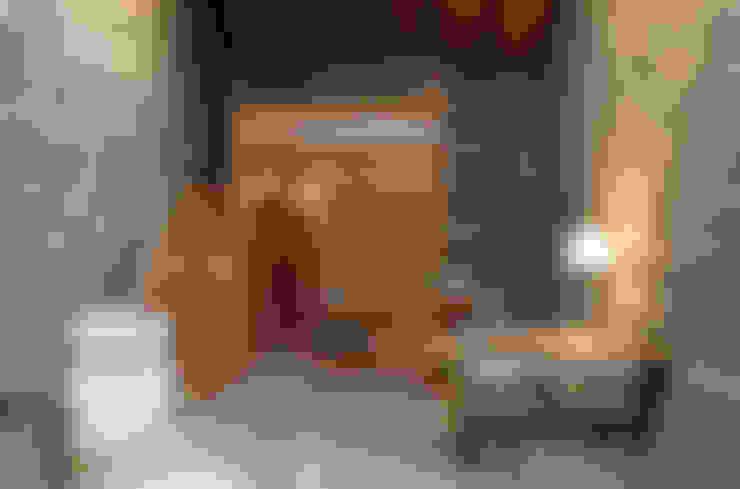 Salas / recibidores de estilo  por Pini&Sträuli Architects