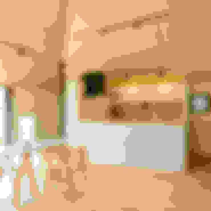 Projekty,  Salon zaprojektowane przez 株式会社ミユキデザイン(miyukidesign.inc)