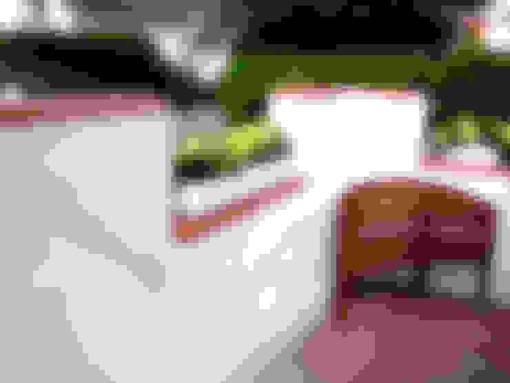 Mauerabdeckung Caperon aus Ton:  Garten von Rimini Baustoffe GmbH