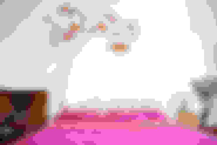 Dormitorios de estilo  por Héctor Nevado