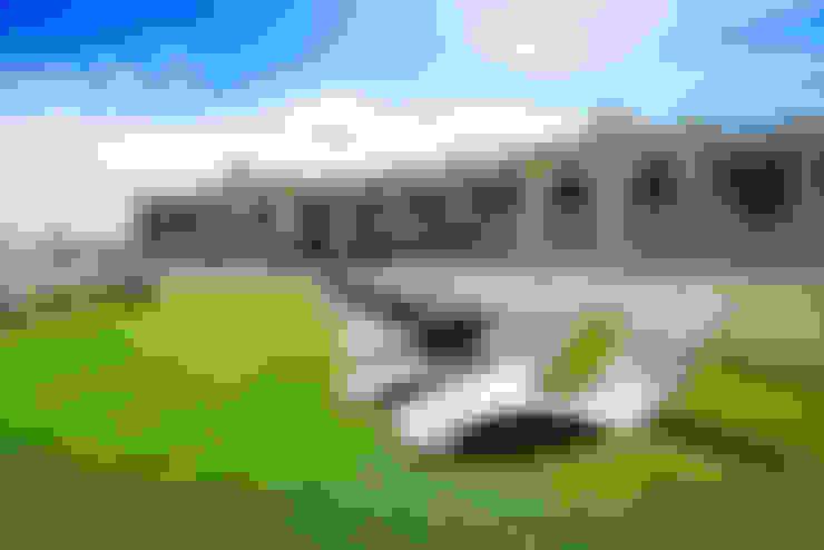 Jardín de estilo  por Cesped Artificial Eurotuft