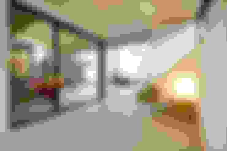 Bedroom by 長谷川拓也建築デザイン