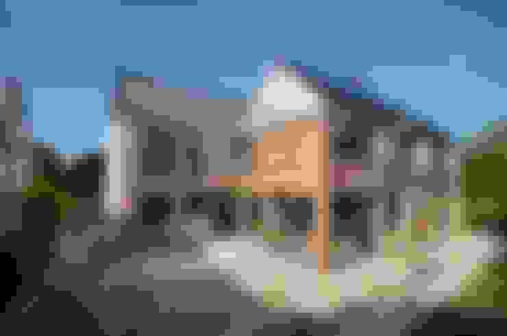 Rumah by Joseph Thurrott Architects