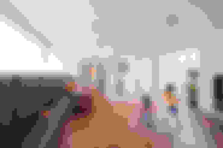 Phòng khách by LEVEL Architects