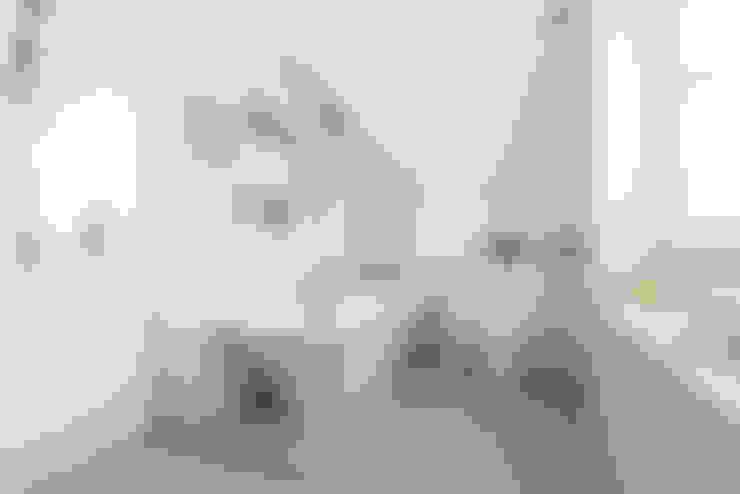 Salle de bains de style  par BTL Property LTD