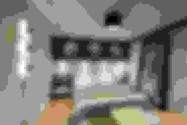 Mimoza Mimarlık – A. MORİTA EVİ  ANTALYA:  tarz Yatak Odası