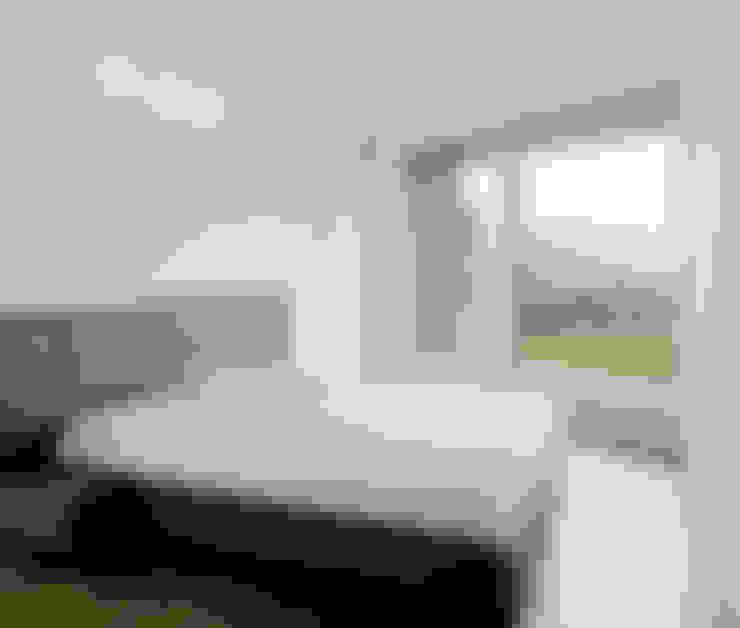 Спальни в . Автор – AllesWirdGut Architektur ZT GmbH