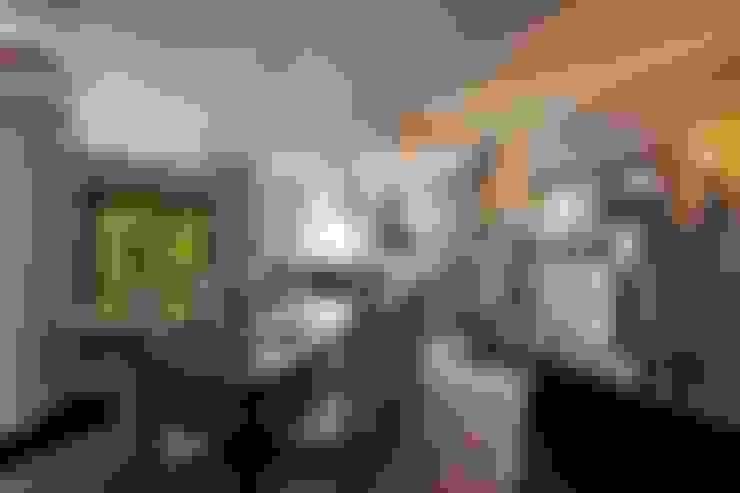Dining room by Studio B&L