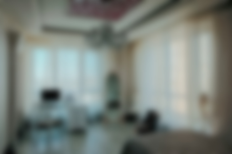 Nursery/kid's room by Studio B&L