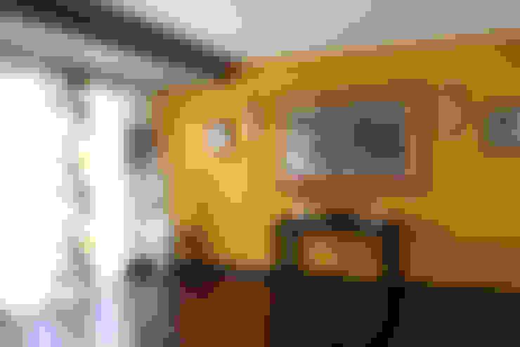 Salas de estar  por SILVIA ZACCARO ARCHITETTO