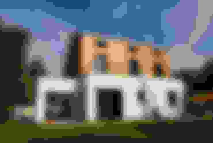 Casas  por SARA Architecture