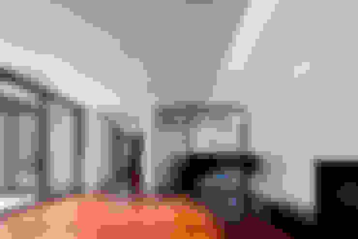 Soggiorno in stile  di ADF Architects