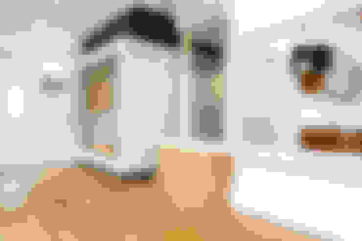 プレゼントボックス: 戸田晃建築設計事務所が手掛けたダイニングです。
