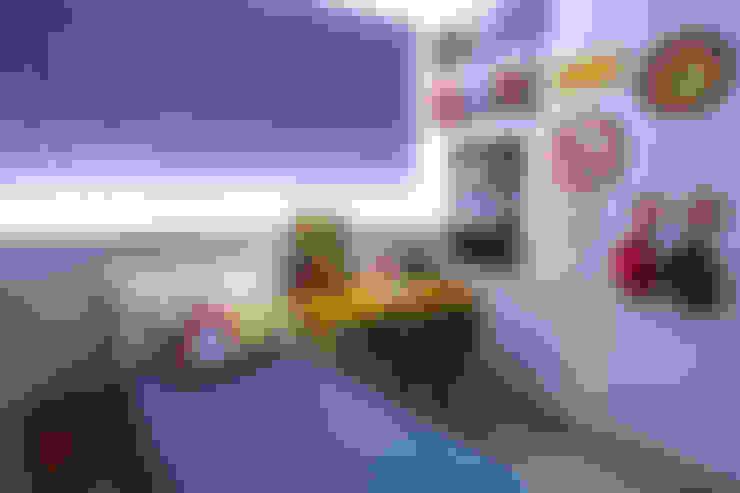 Nursery/kid's room by Rafaela Dal'Maso Arquitetura