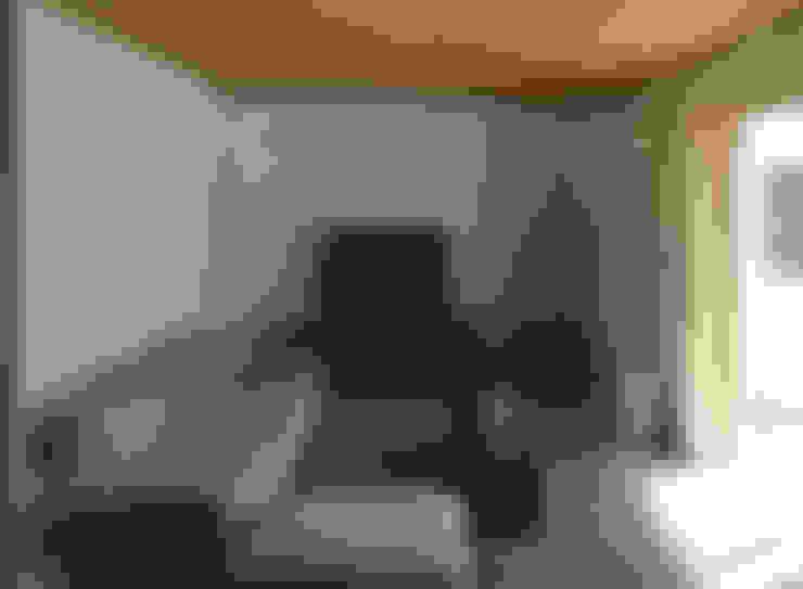 竹内裕矢設計店:  tarz Oturma Odası