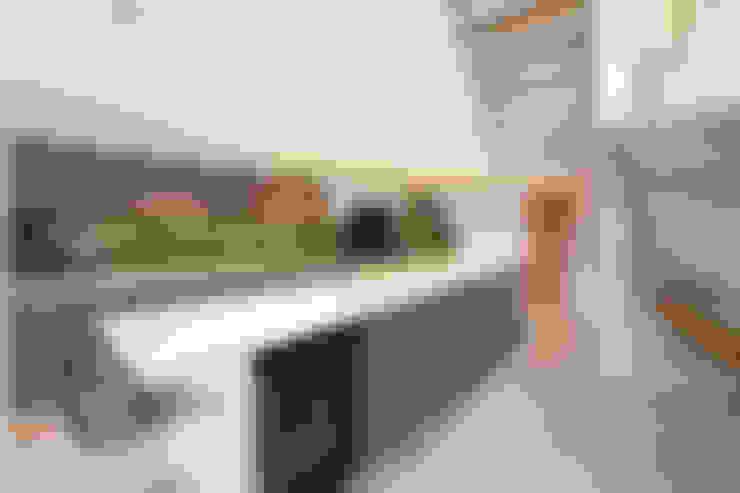 Kitchen by Nicolas Tye Architects