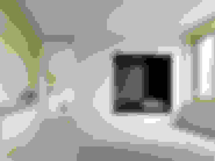 Woonkamer door Innauer-Matt Architekten ZT GmbH