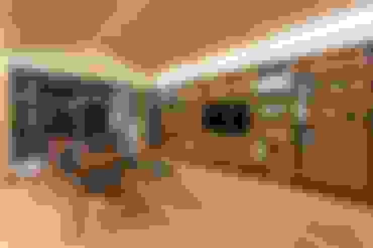 Arbeitszimmer von Y L A B