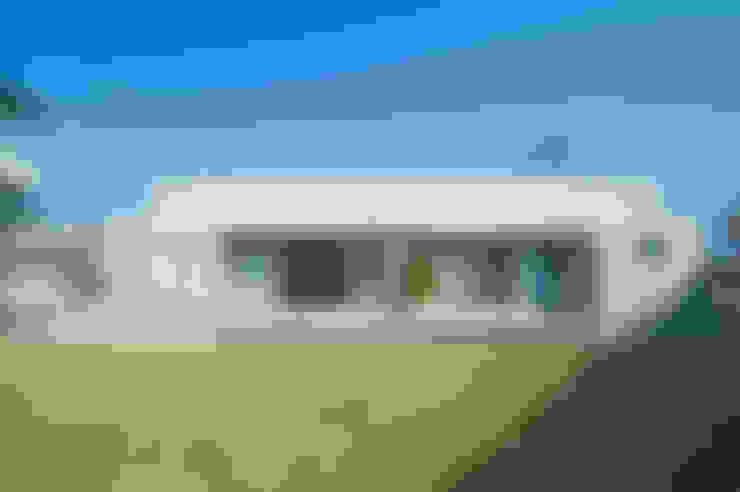 庭の家: プラソ建築設計事務所が手掛けた家です。