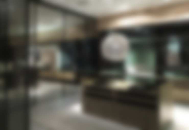 Walk-in-wardrobe:  Dressing room by Lamco Design LTD