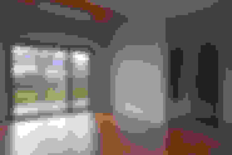 客廳 by (주)오우재건축사사무소 OUJAE Architects