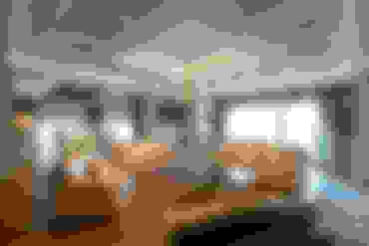 BABA MİMARLIK MÜHENDİSLİK – Yeşil Vadi Erguvan Evi, İstanbul.:  tarz Oturma Odası