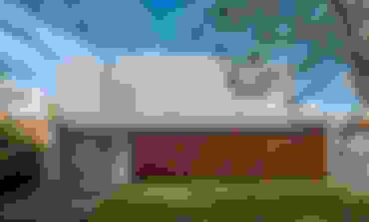 FACHADA PRINCIPAL: Casas  por Pimont Arquitetura