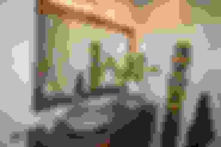 Aranżacja: styl , w kategorii Łazienka zaprojektowany przez Industone
