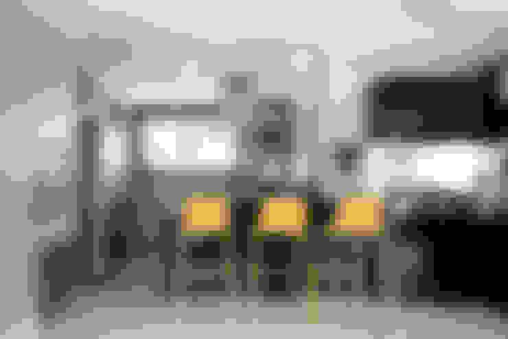 Bancada Bar: Salas de estar  por Blacher Arquitetura