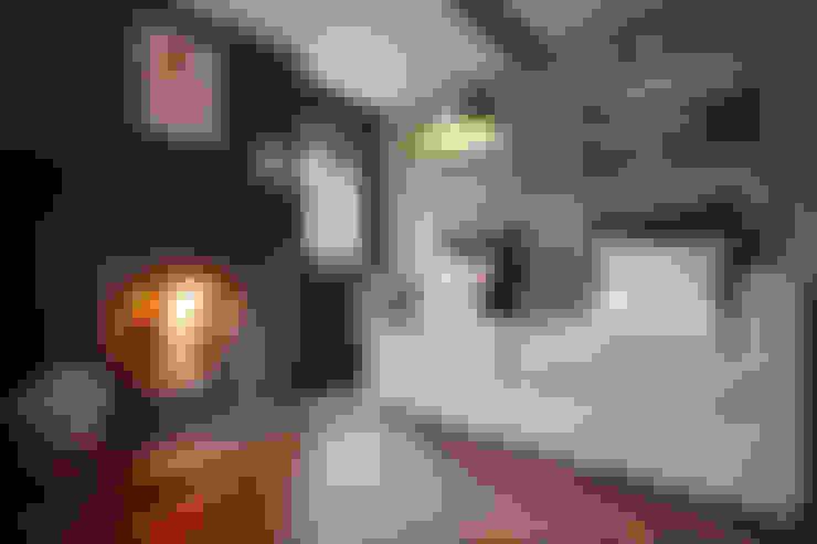 Salas de estar  por Hart Design and Construction