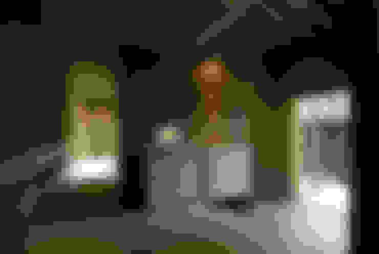 バリアフリー和風住宅/地の家: 森村厚建築設計事務所が手掛けた廊下 & 玄関です。