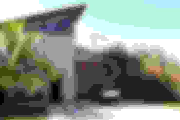 Casa Resedás: Casas  por Documenta Arquitetura sc ltda