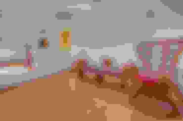Salas / recibidores de estilo  por ABC+ME Studio di Architettura