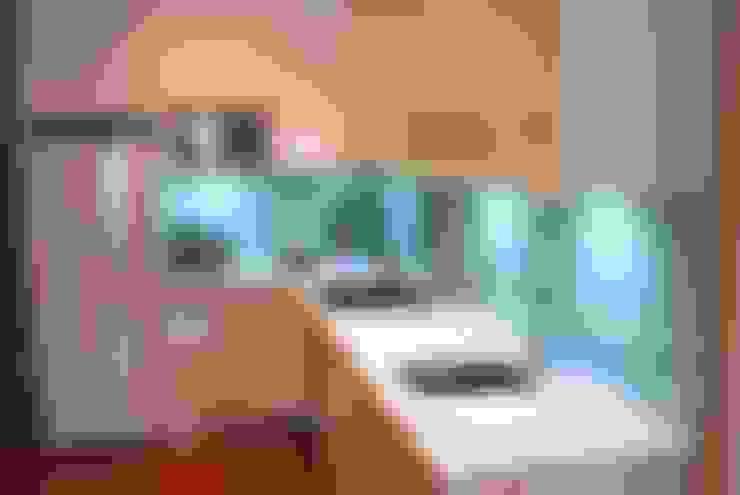Cocinas de estilo  por Traber Obras
