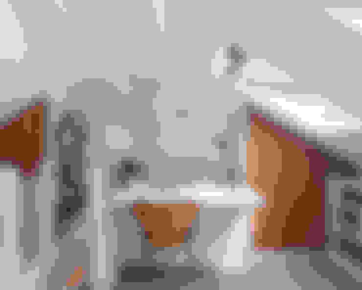 Dormitorios de estilo  por APE Architecture & Design Ltd.