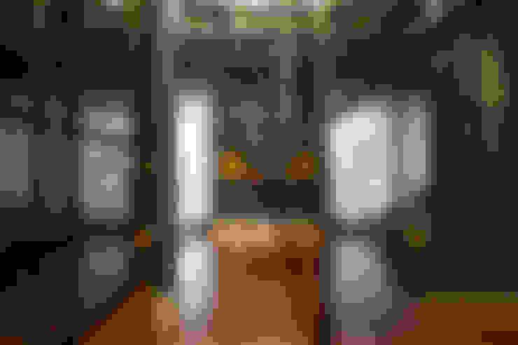 Aimbere: Corredores e halls de entrada  por PM Arquitetura