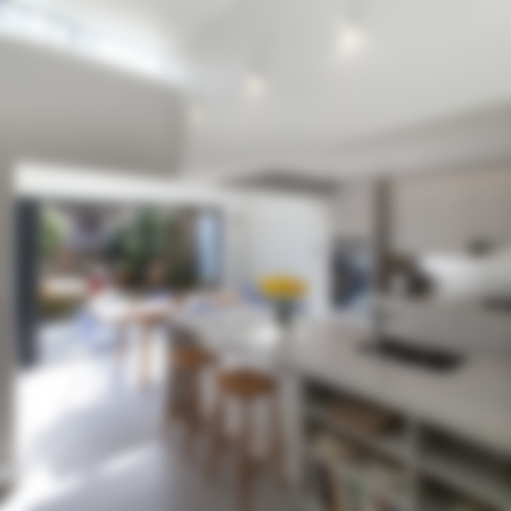 Dapur by APE Architecture & Design Ltd.