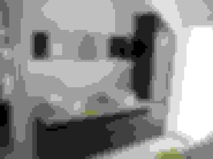 Bathroom by TS Innenausbau GmbH Schreinerei