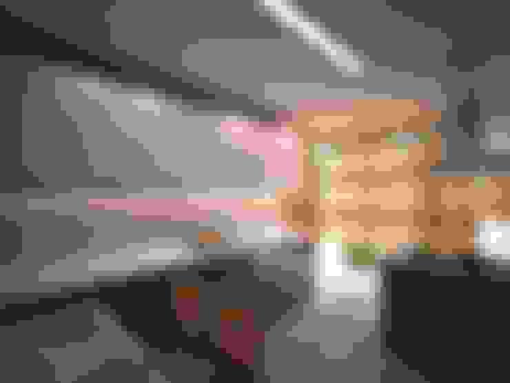 İki İç Mimar – ANTRİVA EVLERİ:  tarz Mutfak