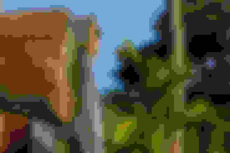 CASA DA FAZENDA: Jardins  por COSTAVERAS ARQUITETOS