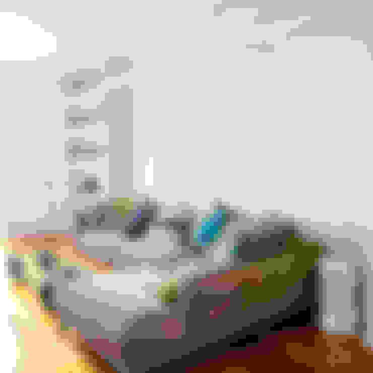 Salas / recibidores de estilo  por DFG Architetti