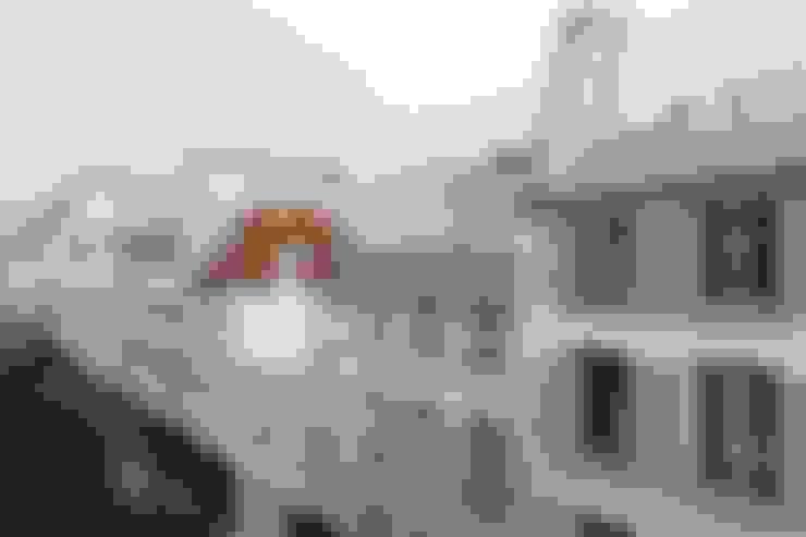 Restructuration d'un appartement à Paris 3ème:  de style  par GALI Sulukjian Architecte