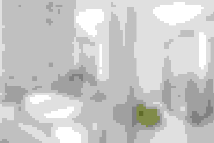 Salle de bains de style  par La Casa G: La Casa Sustentable en Argentina