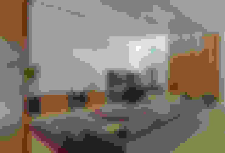 غرفة المعيشة تنفيذ Beth Marquez Interiores