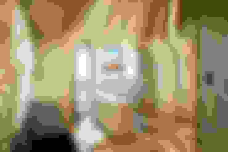 Футуристическая квартира в Москве: Кухни в . Автор – Cтудия дизайна Станислава Орехова