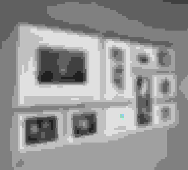 PHOTOWALL GALLERY FRAME 10P SET—White: A.MONO Co,.LTD.의  벽 & 바닥