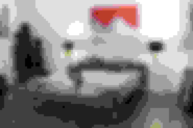 Dormitorios de estilo  por Art Concept Gallery