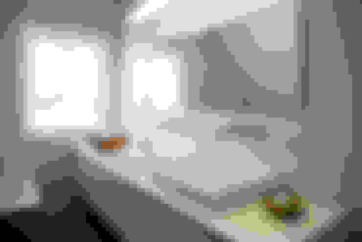 Badkamer meubel:  Badkamer door Hemels Wonen interieuradvies