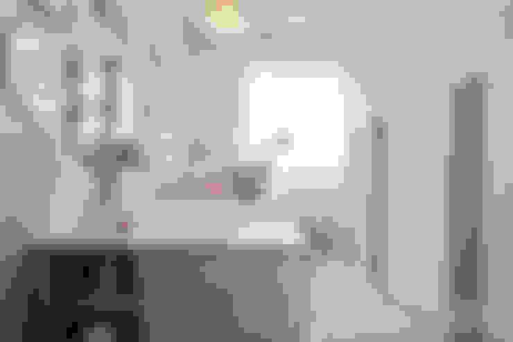 Nursery/kid's room by Dröm Living